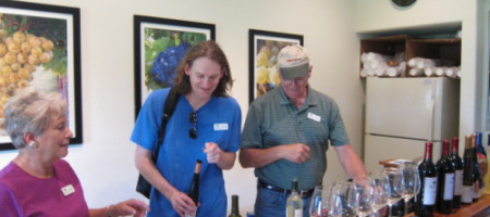 Texas A&M Agrilife Extension Holds A Vineyard Tour