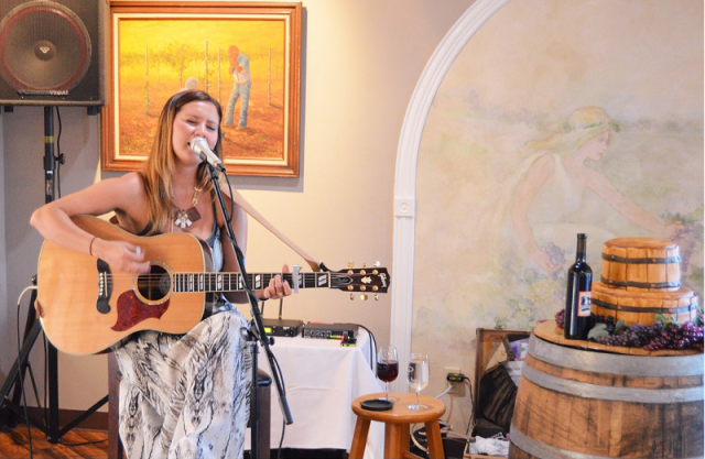 hayle cole at wine dinner